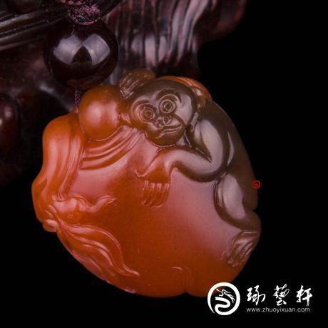 四川凉山南红玛瑙樱桃红挂件    灵猴献寿    7克