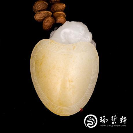 新疆和田玉黄皮一级白玉籽玉把件 龙龟 46克