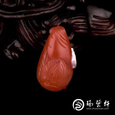 四川涼山南紅瑪瑙柿子紅掛件 富甲一方 2克