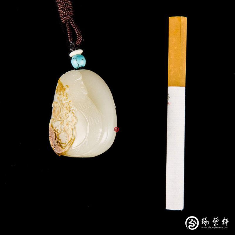 【琢艺轩】新疆和田玉黄皮白玉籽玉挂件 花间意 39克