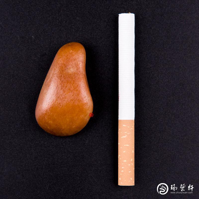 【琢藝軒】新疆和田玉黃玉籽玉 原石 34.4克