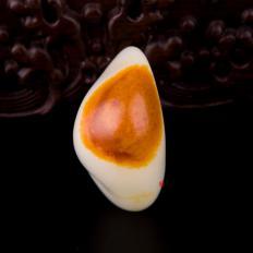 【琢藝軒】新疆和田玉紅沁羊脂白玉籽玉 原石 64.8克