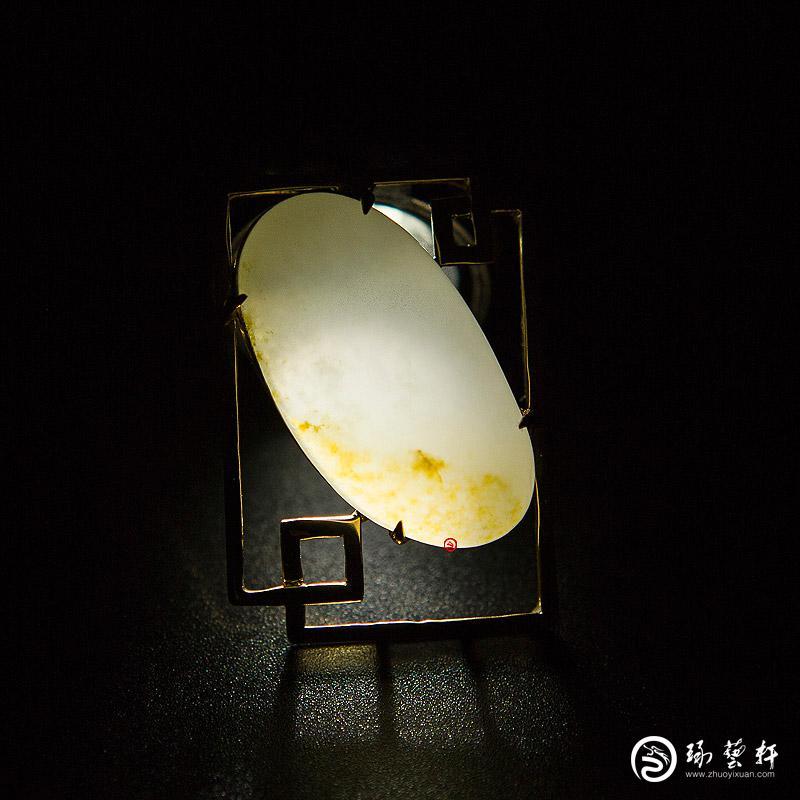 【琢艺轩】新疆和田黄皮白玉籽玉金镶玉挂件 方圆 8克