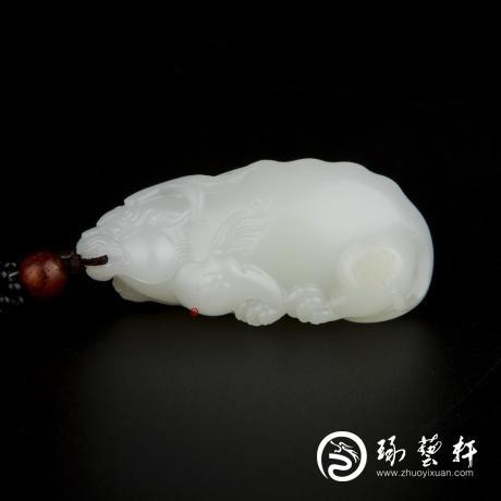 新疆和田玉黄皮羊脂白玉籽玉挂件 貔貅 24.5克