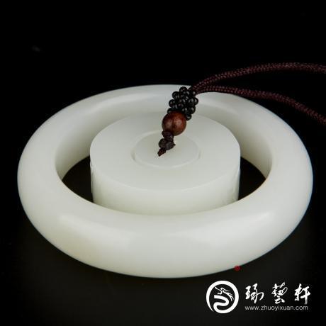 穆宇静 新疆和田玉黄皮羊脂白玉籽玉 手镯一套 139克