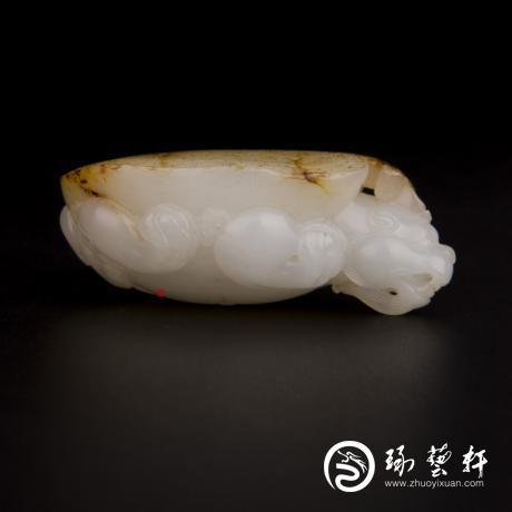 新疆和田玉黄皮白玉籽玉把件 龙龟 49.1克