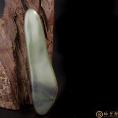 【琢艺轩】新疆和田玉沙枣青籽玉    原石 258克