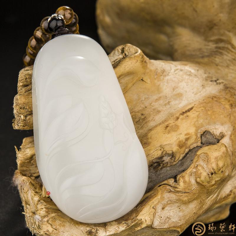 【琢藝軒】穆宇靜 新疆和田玉灑金皮羊脂白玉籽玉把件 一花一世界 99.2克