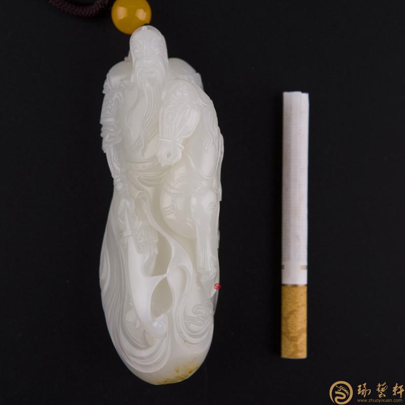 【琢藝軒】新疆和田黃皮一級白玉籽玉把件 關公 194.6克