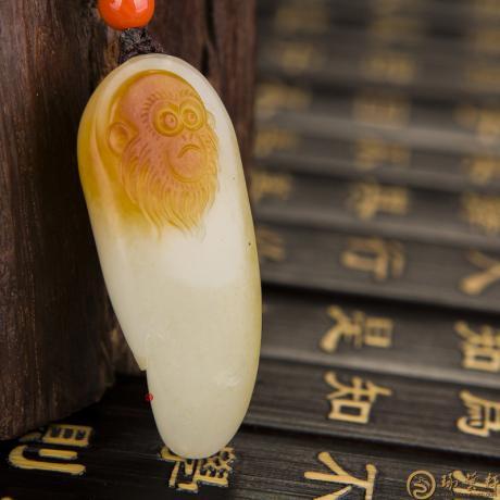 新疆和田红沁白玉籽玉挂件 美猴王 21克