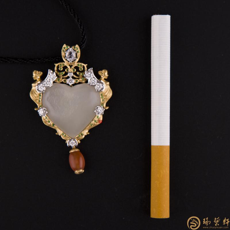 【琢藝軒】新疆和田籽玉金鑲玉掛件 天使之戀 17.6克