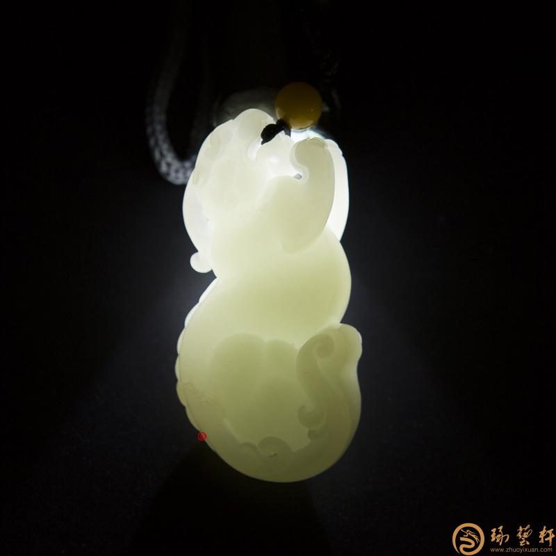 【琢艺轩】新疆和田洒金皮白玉籽玉把件 貔貅 58克