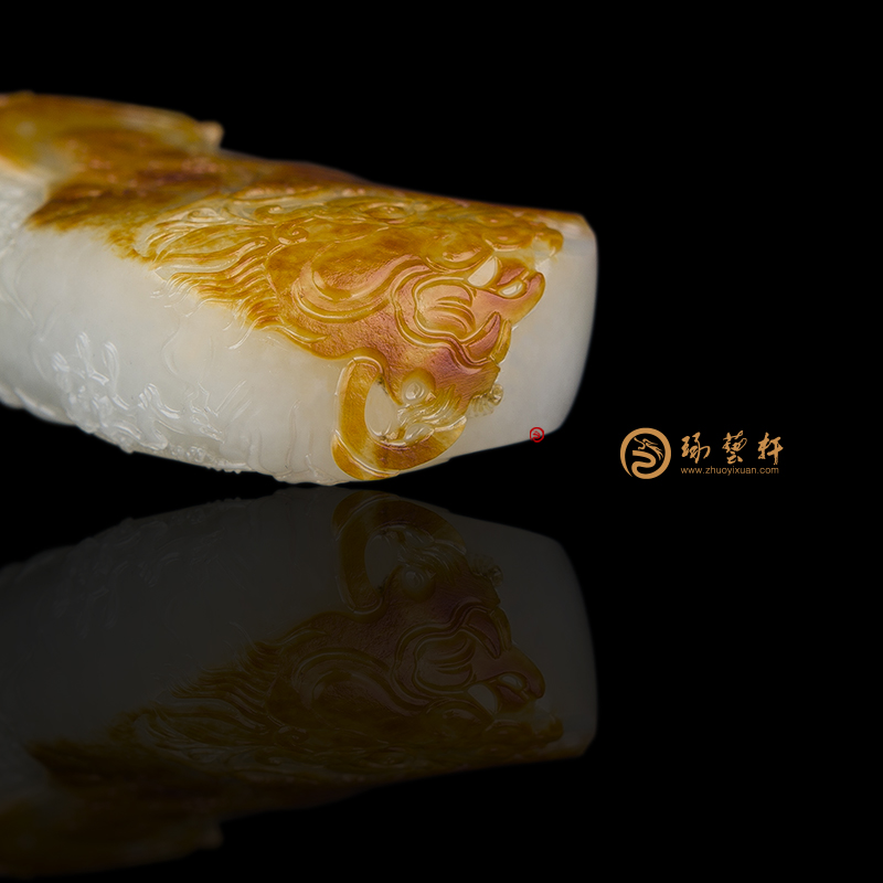 【琢艺轩】穆宇静 新疆和田红皮白玉籽玉把件 伏虎罗汉 75克