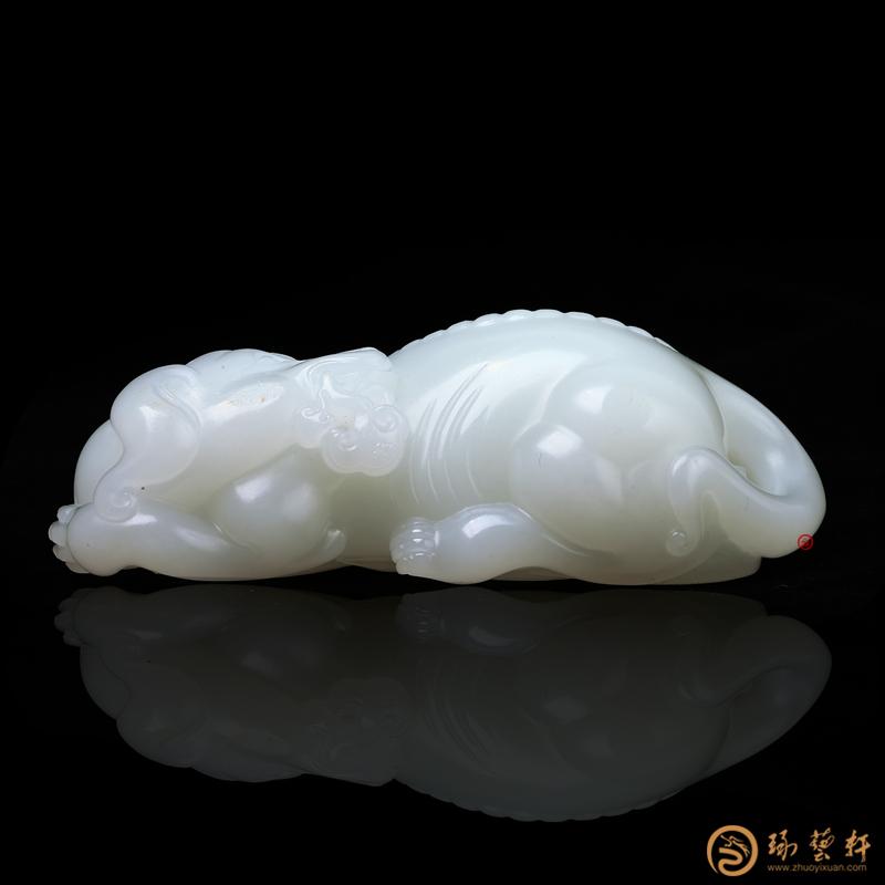 【琢藝軒】穆宇靜 新疆和田白皮一級白籽玉把件 大權在握 92.8克
