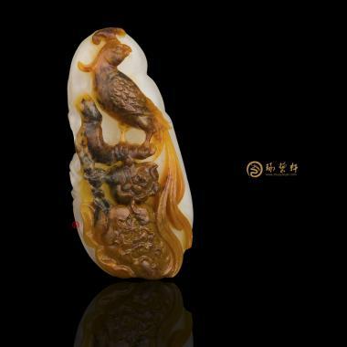 【琢藝軒】新疆和田紅沁一級白籽玉掛件 鳳戲牡丹 13.5克