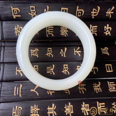 【琢藝軒】新疆和田白皮羊脂白籽玉 手鐲 89.3克