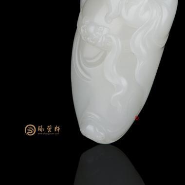 【琢藝軒】新疆和田灑金皮一級白籽玉把件 關公 150克