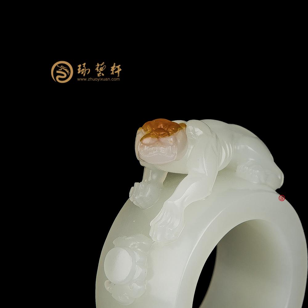 【琢藝軒】穆宇靜 新疆和田紅皮白玉籽玉扳指 蓄勢 16.6克